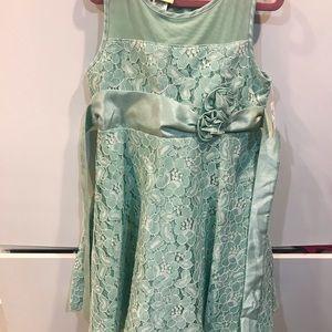 NWT girls size small 6/6X dressy dress